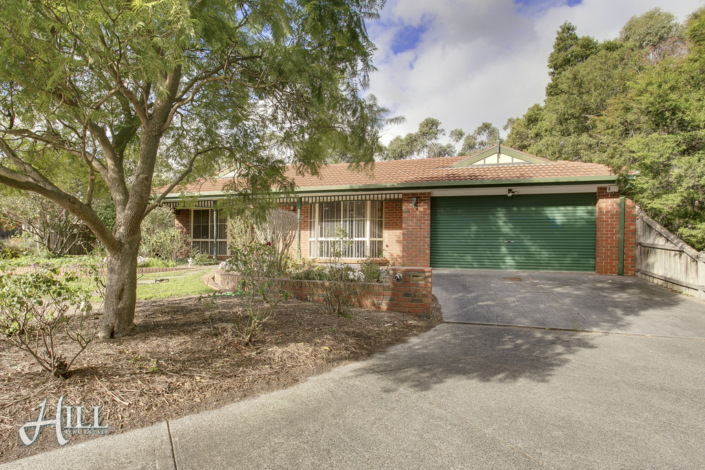 77 Applewood Drive, KNOXFIELD  VIC  3180