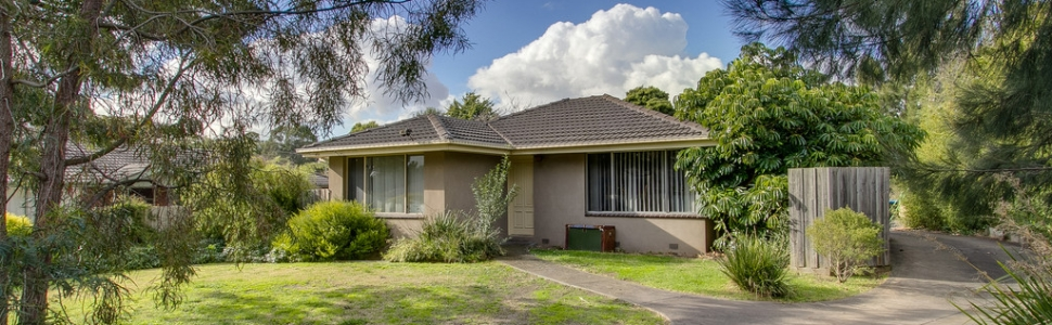 27 Renwick Road, FERNTREE GULLY  VIC  3156