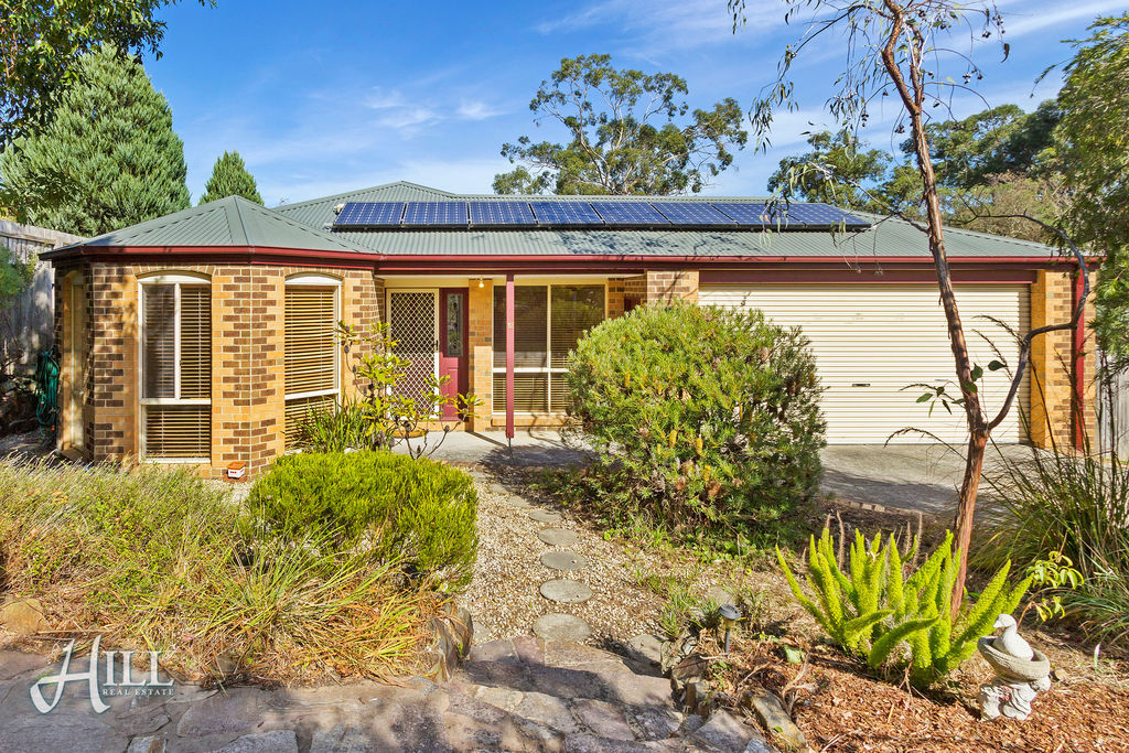12 The Glen, FERNTREE GULLY  VIC  3156