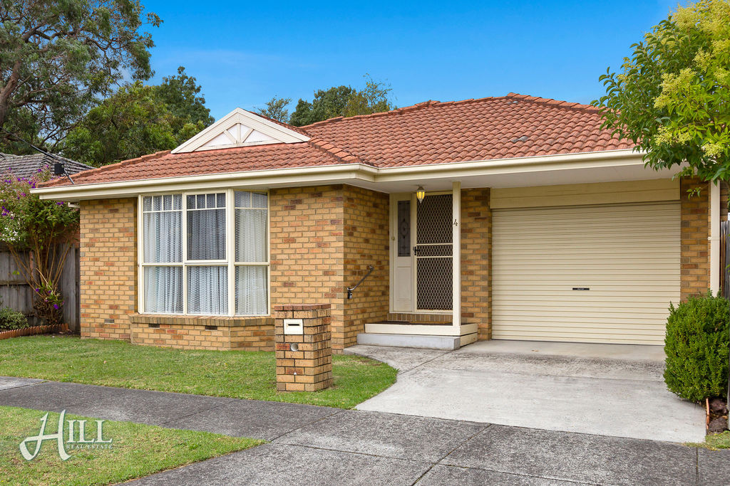 4 Madge Street, BORONIA  VIC  3155