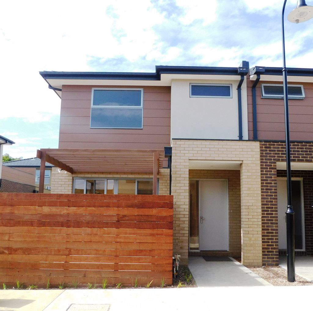 7 Emica Parade, KNOXFIELD  VIC  3180
